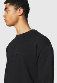 Han Kjøbenhavn - ARTWORK CREW - Sweatshirt - faded black - 3