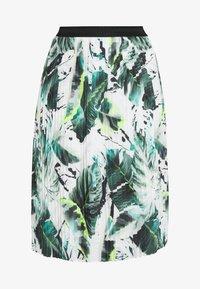 Betty & Co - A-line skirt - white/green - 3