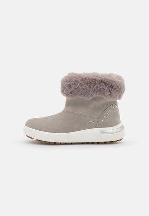 DALYLA ABX - Winter boots - light grey