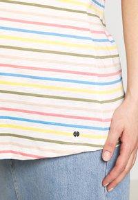 Esprit Maternity - Print T-shirt - offwhite - 4