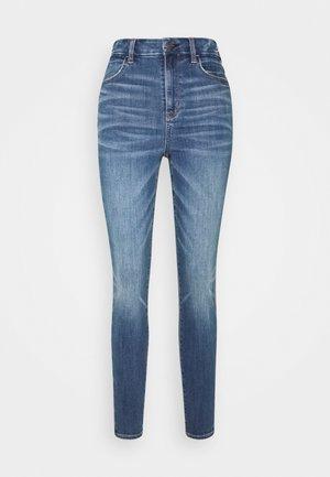 CURVY SUPER HI-RISE - Jeans Skinny Fit - dreamy indigo