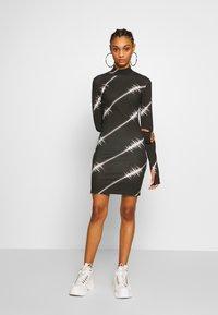 House of Holland - SOUNDWAVE MINI DRESS - Jersey dress - black - 1