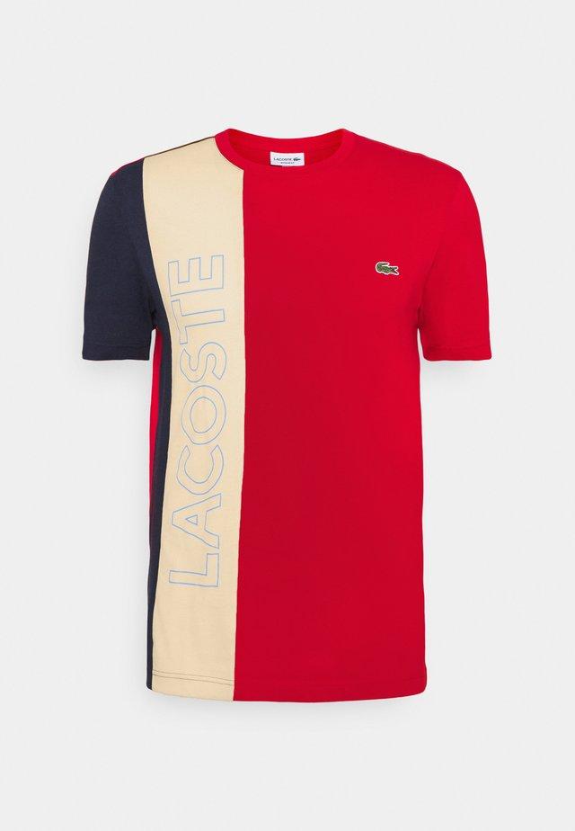 T-shirt med print - rouge/naturel clair/marine