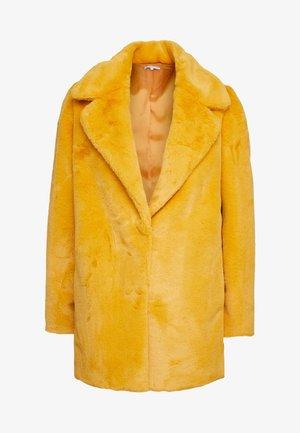 CECILE JACKET - Zimní bunda - yellow