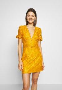 Fashion Union - LUCA - Vestido informal - yellow - 0