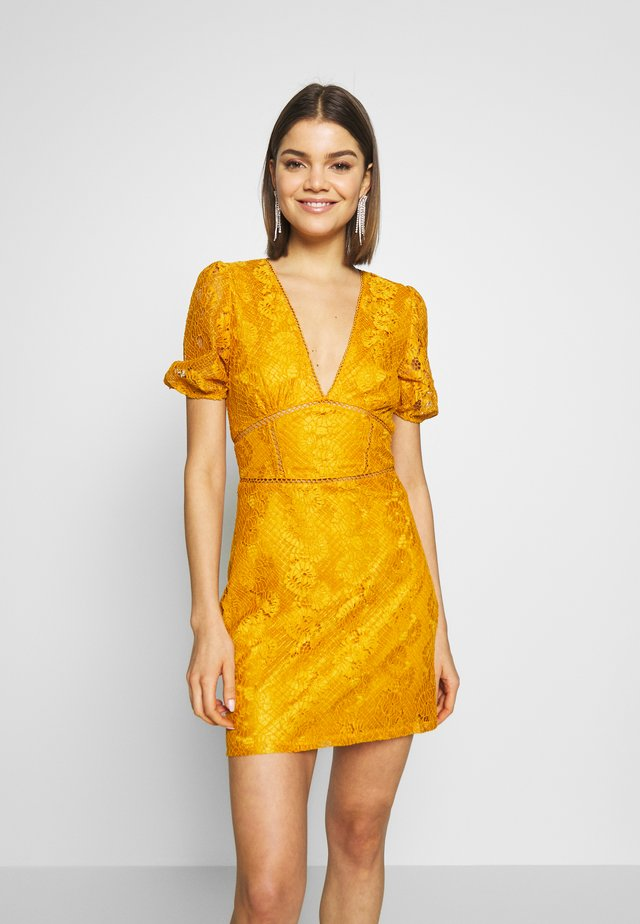 LUCA - Day dress - yellow