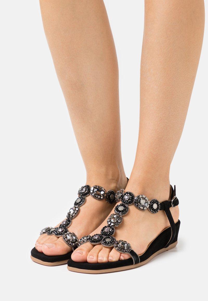 Alma en Pena - Wedge sandals - black