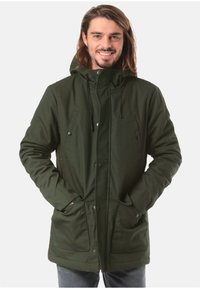 REVOLUTION - Parka - green - 0
