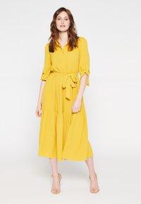LolaLiza - Shirt dress - yellow - 0
