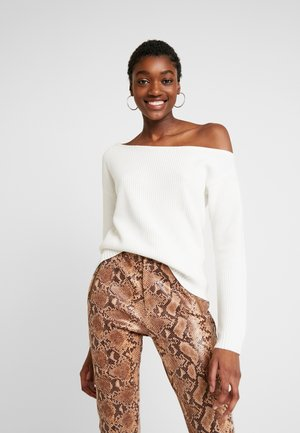 BASIC-OFF SHOULDER - Strikkegenser - off-white