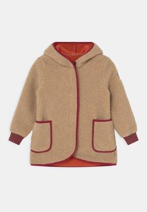 LIKKA NALLE UNISEX - Fleece jacket - pebble/beet red