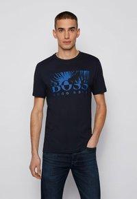 BOSS - TEALLY - Print T-shirt - dark blue - 0