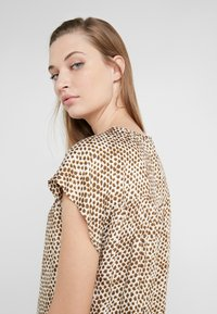 DRYKORN - PAZIA - Blouse - offwhite/olive - 4