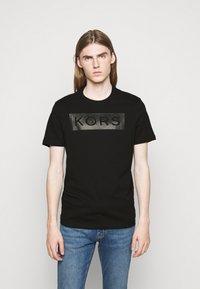 Michael Kors - NAIL HEAD TEE - Triko spotiskem - black - 0