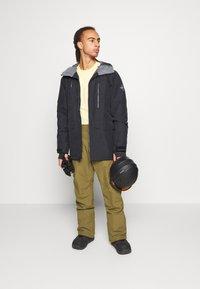 Quiksilver - ESTATE - Snow pants - military olive - 1