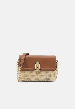 GEMMA CHAIN DETAIL CROSSBODY BAG - Across body bag - tan/natural