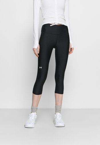 HI CAPRI - Pantaloncini 3/4 - black