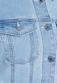 Vero Moda Tall - VMHOT SOYA JACKET - Jeansjakke - light blue denim - 5