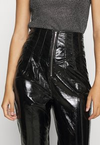 Missguided - CRACKED CORSET CIGARETTE TROUSER - Trousers - black - 4