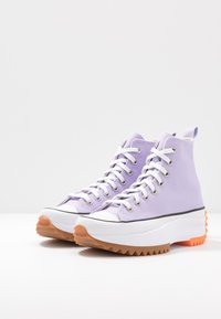 Converse - RUN STAR HIKE - Baskets montantes - moonstone violet/white/total orange - 2