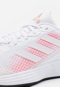 adidas Performance - DURAMO CLASSIC LIGHTMOTION RUNNING SHOES - Laufschuh Neutral - footwear white/signal pink - 5
