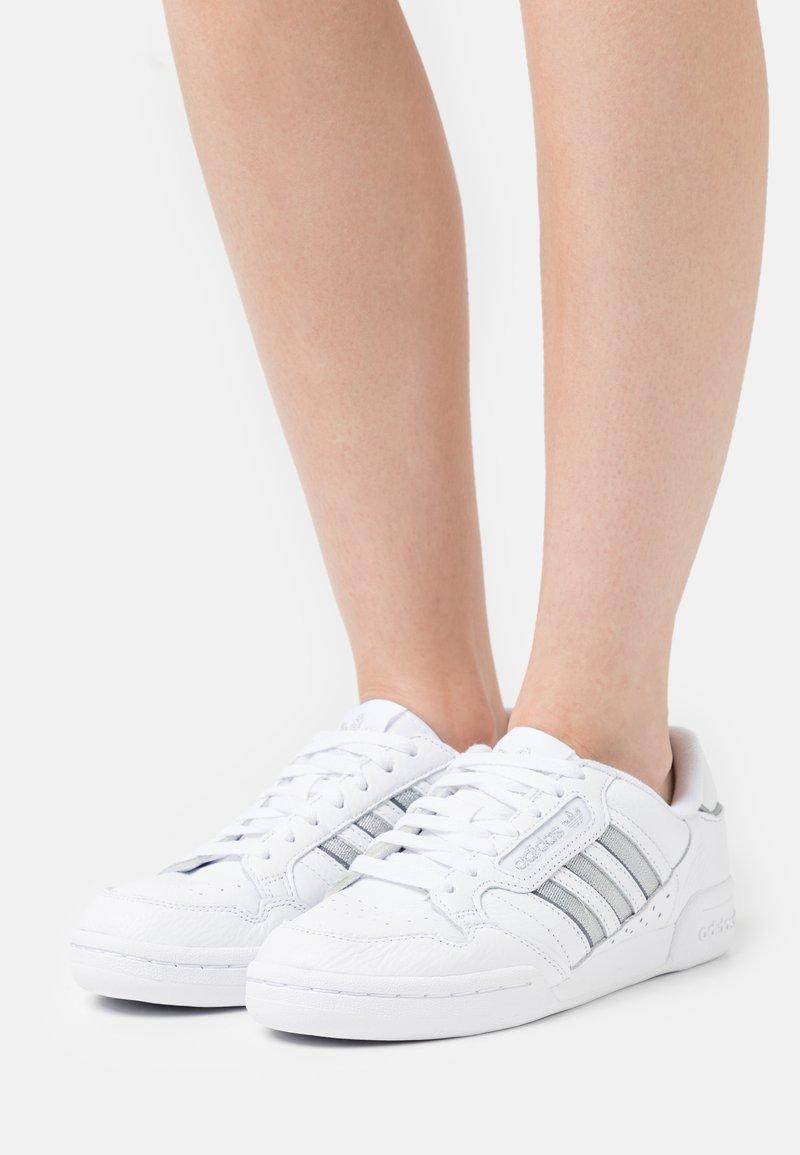 adidas Originals - CONTINENTAL 80 STRIPES  - Sneakersy niskie -  white