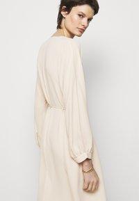 Filippa K - WILLA DRESS - Denní šaty - soft beige - 3