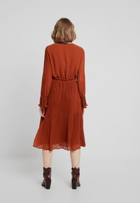 YAS - YASJOLANA DRESS - Robe d'été - caramel café - 3