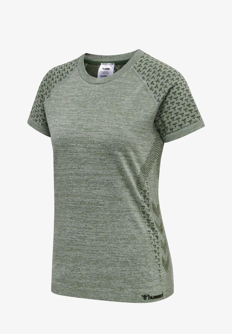 Hummel - Print T-shirt - gruen