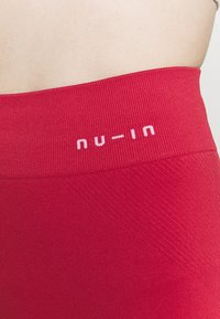 NU-IN - HIGH WAIST COMPRESSION SHORTS - Leggings - red - 5
