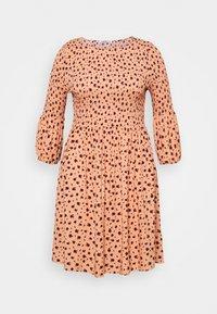Glamorous Curve - SMOCKED BUBBLE SLEEVE DRESSES WITH ROUND NECK - Denní šaty - peach - 5