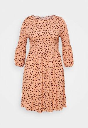 SMOCKED BUBBLE SLEEVE DRESSES WITH ROUND NECK - Vapaa-ajan mekko - peach
