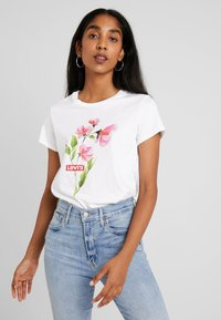 Levi's® - THE PERFECT TEE - Print T-shirt - pink/white - 0