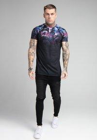 SIKSILK - HAWAII HIGH FADE TEE - Print T-shirt - black - 1