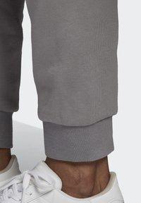 adidas Originals - BX-20 SWEAT JOGGERS - Pantalones deportivos - grey - 5