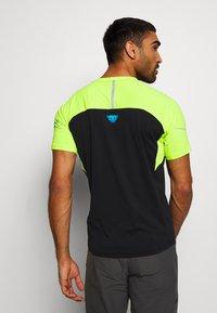 Dynafit - ALPINE PRO TEE - Print T-shirt - black - 2