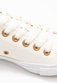 Converse - CHUCK TAYLOR ALL STAR - Joggesko - egret/gold/white - 2