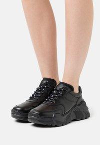 LÄST - SPRINT - Sneakers laag - black - 0