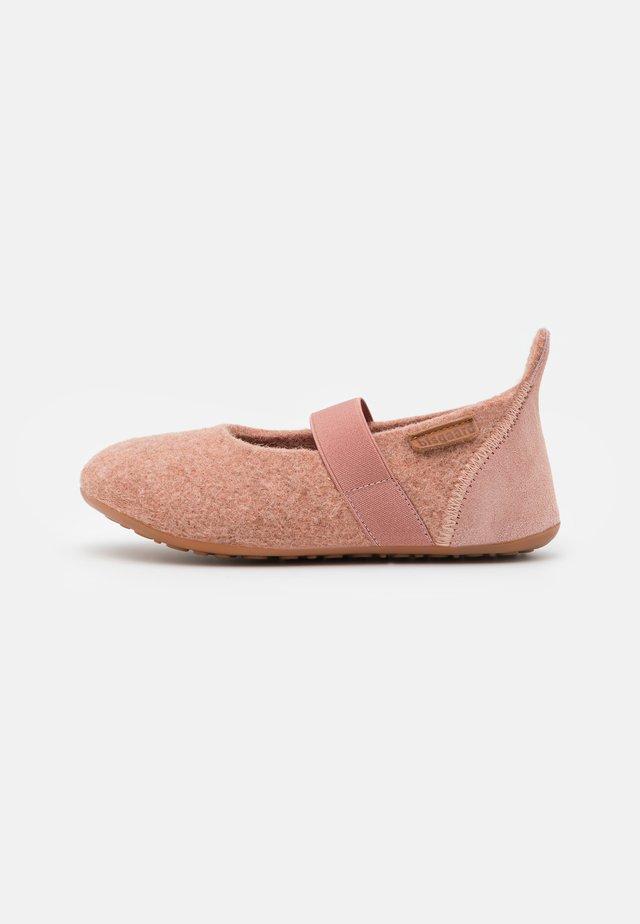 CASUAL  - Domácí obuv - rose