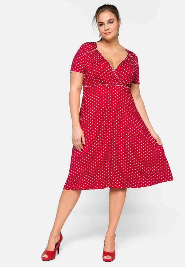 Korte jurk - karminrot bedruckt