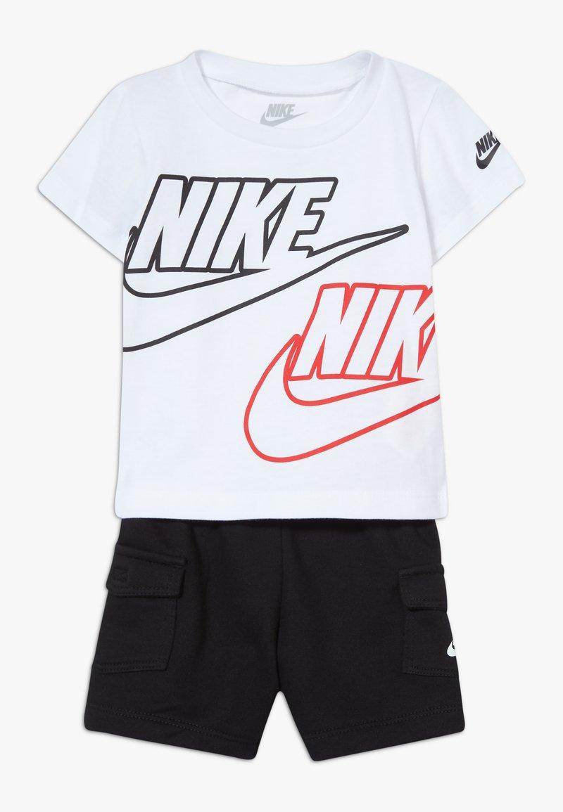 Nike Sportswear - CARGO BABY SET - Shorts - black/white/university red
