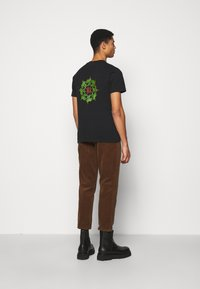 Han Kjøbenhavn - ARTWORK TEE - Print T-shirt - faded black - 2