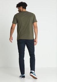 Dickies - STOCKDALE - Basic T-shirt - dark olive - 2