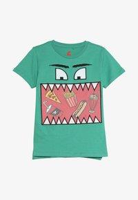 Cotton On - ELI SHORT SLEEVE TEE - Print T-shirt - green - 2