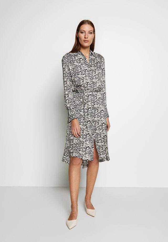 ANYA PLUME DRESS - Etuikjoler - chalk white