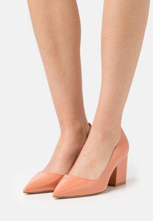 LUNA  - Classic heels - petal