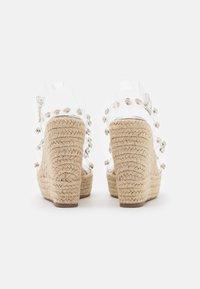 BEBO - VILLA - Platform sandals - clear - 3