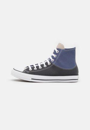 CHUCK TAYLOR ALL STAR SPLIT UPPER UNISEX - Höga sneakers - steel/storm wind/white