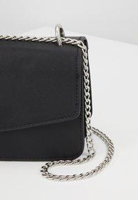Vero Moda - VMSIBBA CROSS OVER BAG - Across body bag - black - 6