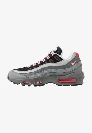 AIR MAX 95 ESSENTIAL - Sneakers - track red/white/particle grey/black/grey fog/track red
